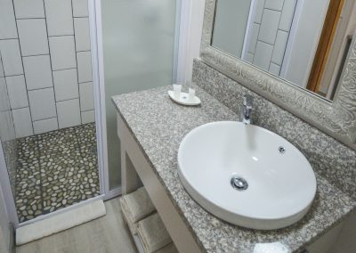 00 Studio Bathroom