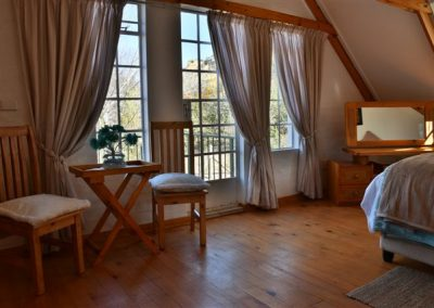 Upstair-main-Bedroom
