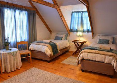 Upstairs-4-single-bedroom
