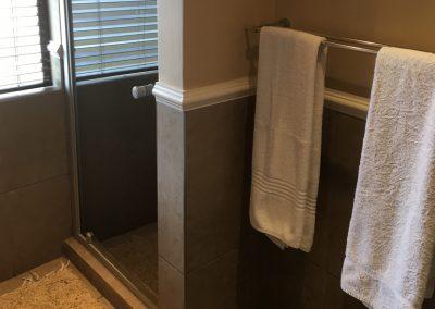 Villa-221-shower