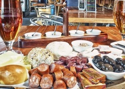 Clarens-Brewery-beer-and-food